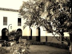 convento da gloria em sepia